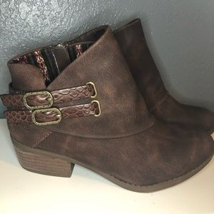 Ankle booties size 6.5
